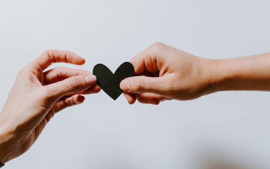 hender, hjelp, omsorg, hjerte, pleie,, familie, venner, hjelpeapparat