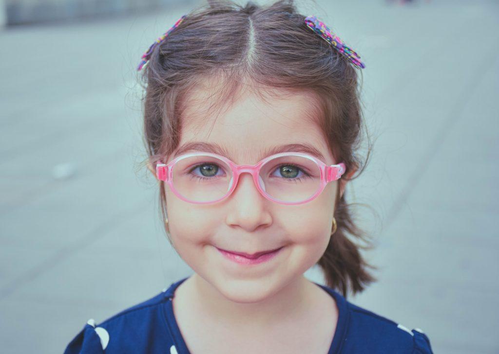 barn med briller, brillestøtte, brillestønad, #labarnse
